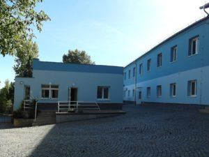 Vrátnice a hlavní budova